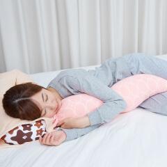 授乳クッションにもなる抱き枕